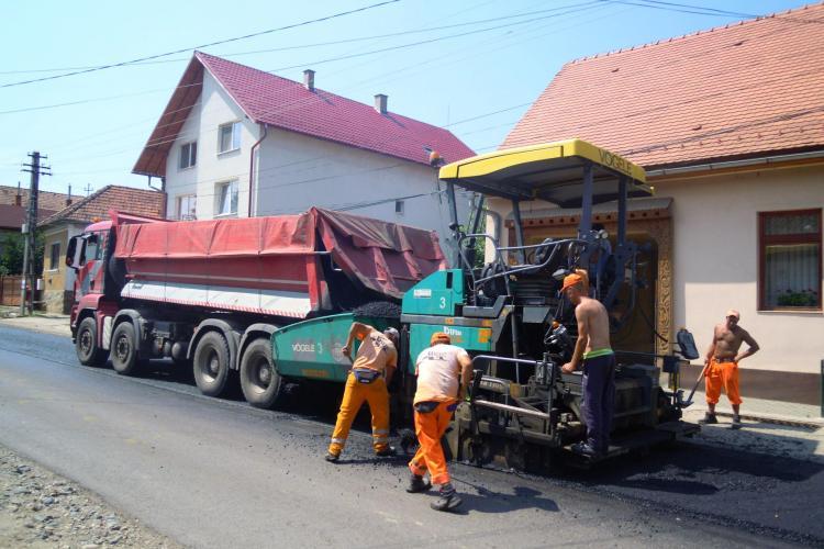 Asfaltare între Vlaha și Săvădisla, pe DJ 107M - FOTO