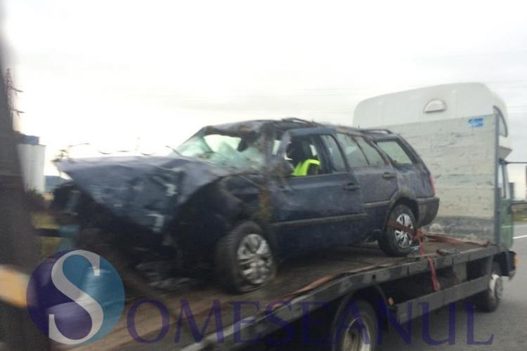 Accident grav pe un drum din Cluj. Un șofer, beat la volan. a ajuns în stare gravă la spital și și-a făcut mașina praf FOTO