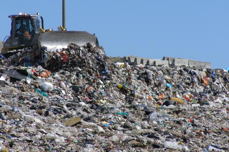 RADP Cluj cere 4,6 milioane de lei pentru a amenaja o rampa de gunoi a Clujului
