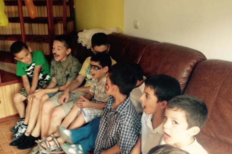"""Cluj: Se strâng donații pentru copiii din centrul de plasament """"Casuta Bucuriei"""" - FOTO"""