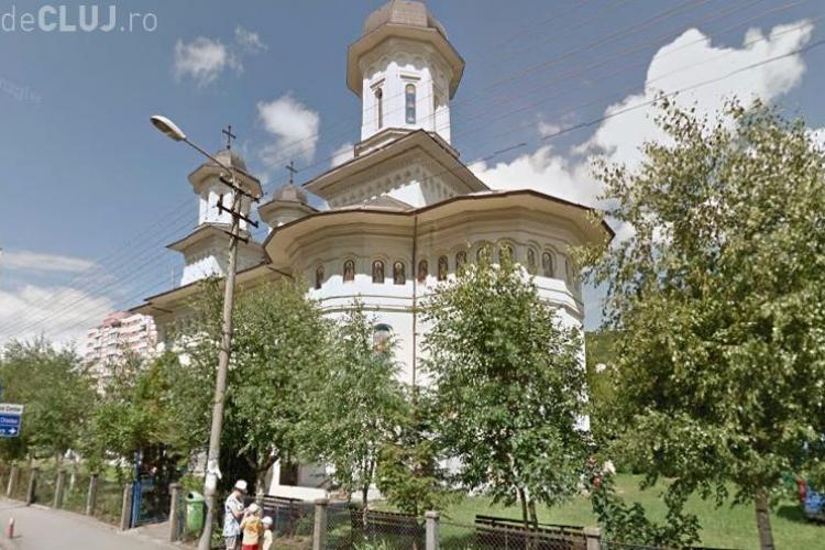 Scandal la Cluj, după ce un preot și-a îngropat soția în curtea bisericii din Grigorescu