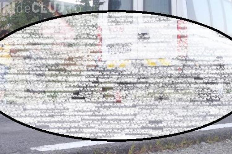Un microbuz care circula pe ruta Cluj-Reghin a rămas fără o roată, în mers. A ajuns pe contrasens FOTO