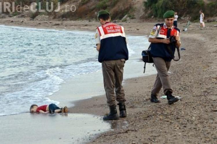 Fotografia șocantă cu un copil sirian de 3 ani, găsit înecat. Imaginea face înconjurul lumii