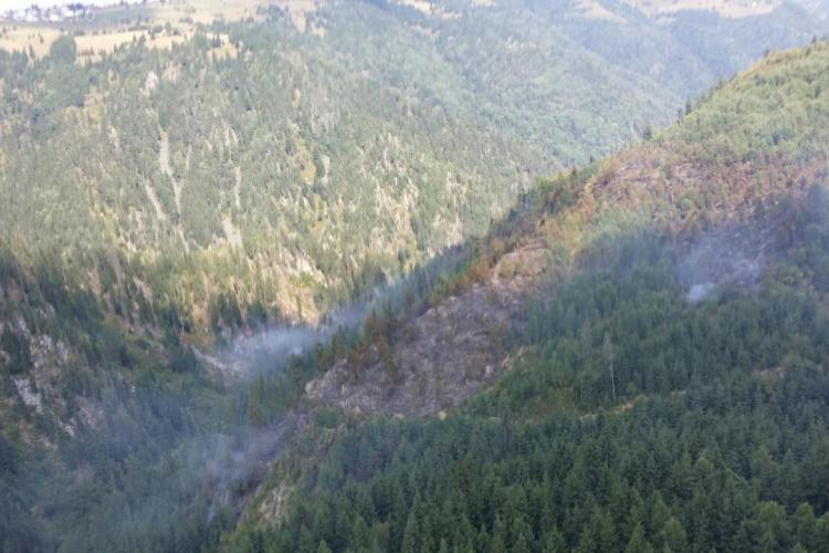 Incendiul de la Maguri Racatau a fost stins și cu ajutorul naturii - VIDEO