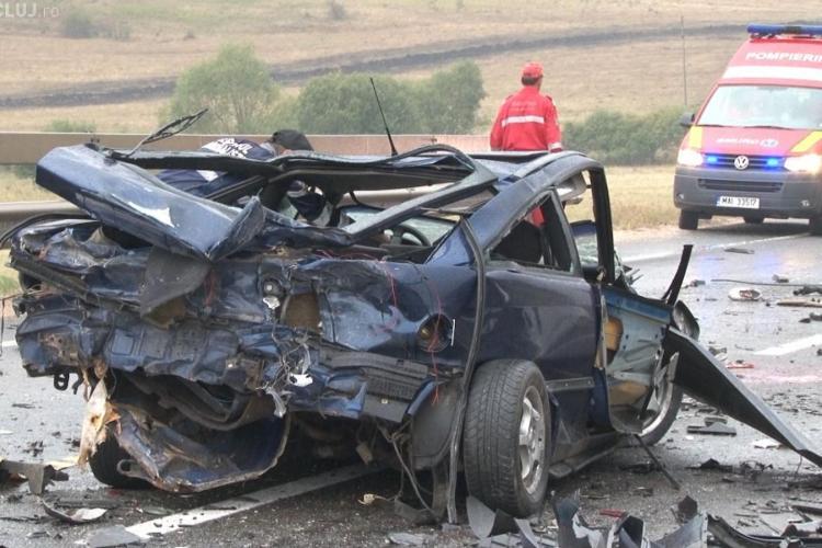 Accident la Cluj! Doi morți și 5 răniți. Un șofer străin a murit, după ce a ajuns pe contrasens