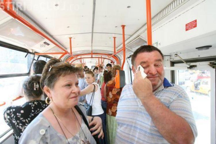 Clujenii se SUFOCĂ în noile autobuze CTP Cluj. VEZI raspunsul HALUCINANT al Companiei de transport