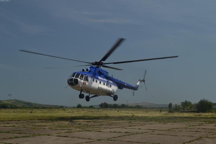 Unitatea speciala de Aviatie Cluj-Napoca a ajutat la stingerea unui incendiu de pădure din Hunedoara. Ce dotări are elicopterul VIDEO