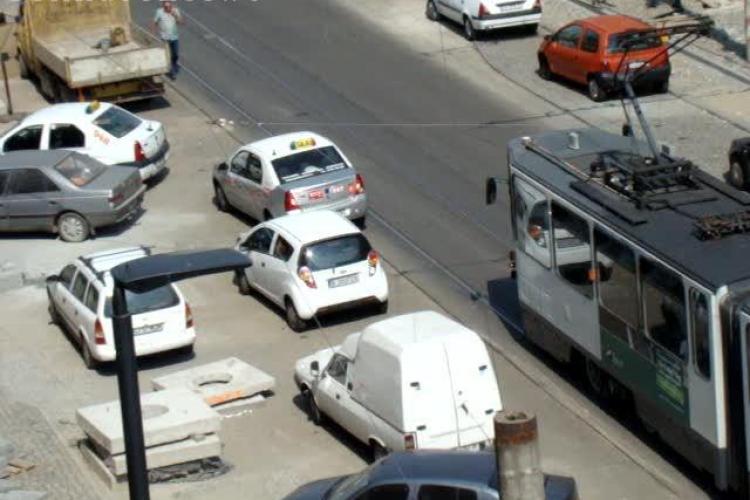 Tramvai blocat de un taximetrist pe strada Horea. S-a format o coadă uriașă de mașini VIDEO