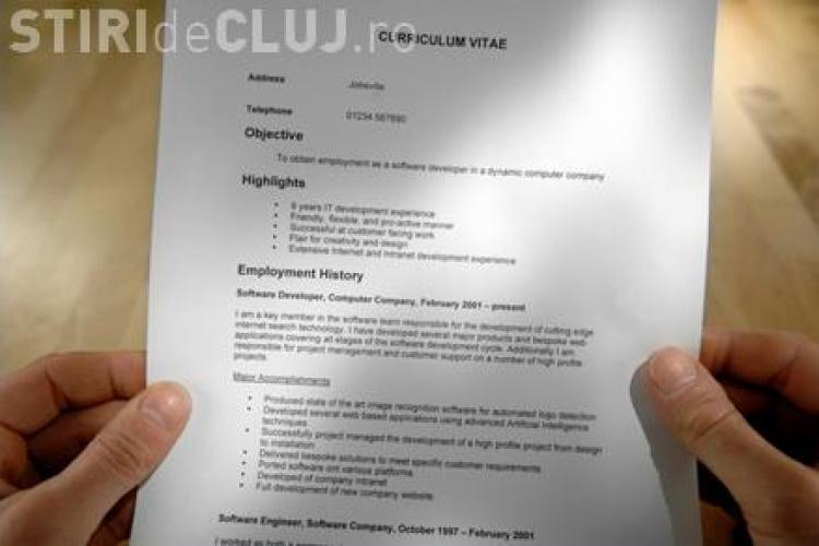 De râsul lumii! Ce fotografii își pun românii în CV-uri