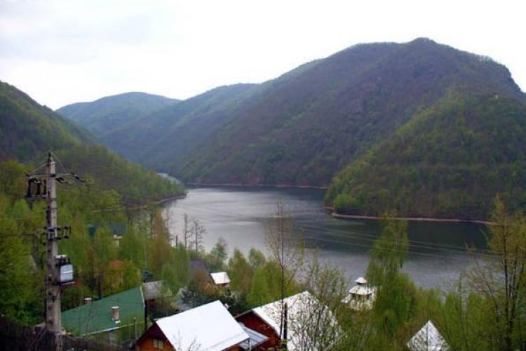Vilele de la Tarnița verificate de MEDIU. Sunt bănuieli că deversează dejecțiile în apa potabilă a Clujului