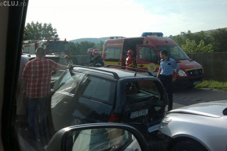 Accident în Floresti, lângă hotelul West City! Trei mașini s-au ciocnit