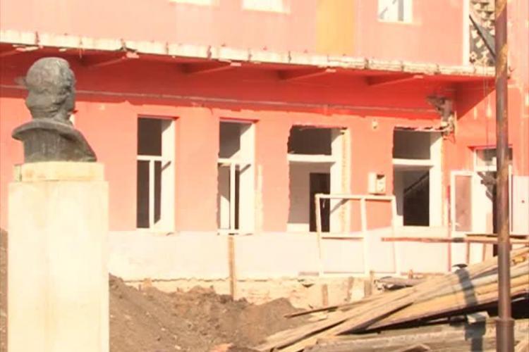 Liceul Mihai Eminescu, reabilitat pe GENUNCHI. Șantierul e o CALAMITATE