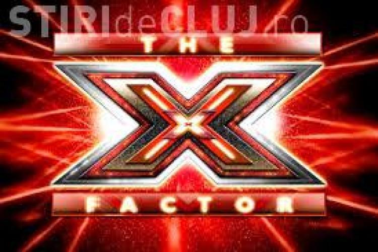 Un român de 18 ani a făcut furori la X Factor Italia. O jurată l-a sărutat după ce a cântat VIDEO