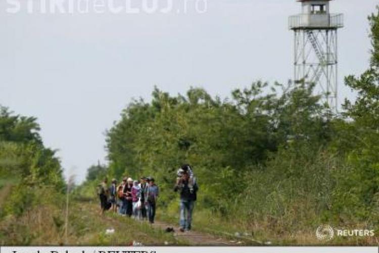 Stare de urgență în Ungaria din cauza refugiaților. Au închis complet granița cu Serbia