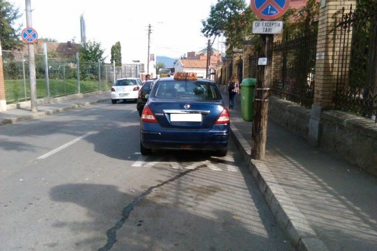 Cluj - Parcare de instructor de școală de șoferi - FOTO