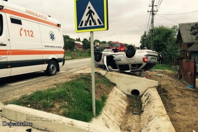 Accident cu cinci victime pe un drum din Cluj. Un șofer inconștient a intrat în depășire fără să se asigure VIDEO