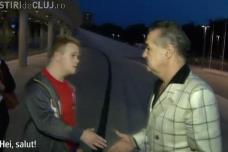 """Gest IMPRESIONANT al lui Becali, în fata National Arena! Un pusti cu Sindrom Down l-a strigat: """"Heeei,  ce faci?"""""""