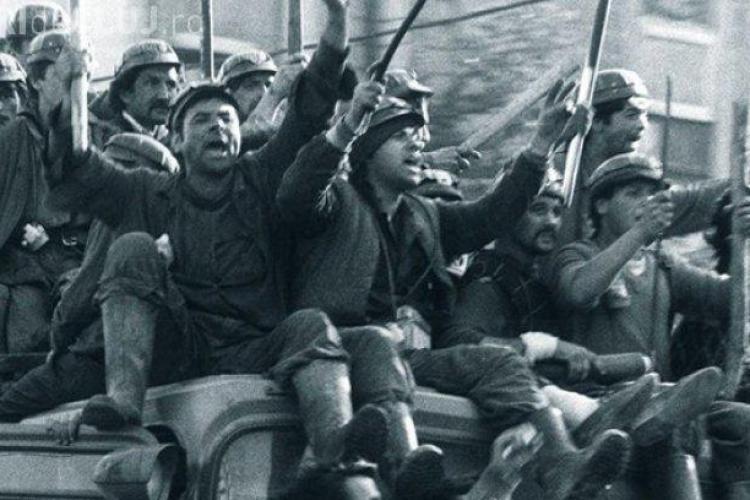 Ion Iliescu ÎNVINUIT în dosarul Mineriadei. Fostul președinte este acuzat de infracțiuni împotriva umanităţii