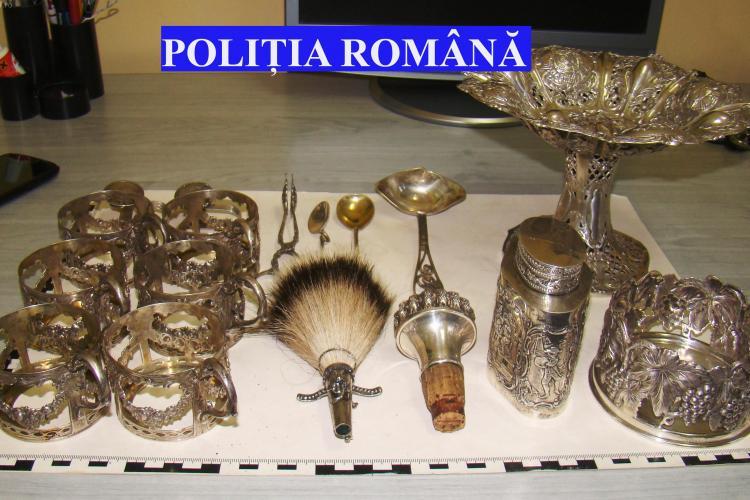 Captura Poliției la Târgul de la Negreni: Obiecte de TEZAUR și cărți din 1800, cel mai probabil furate