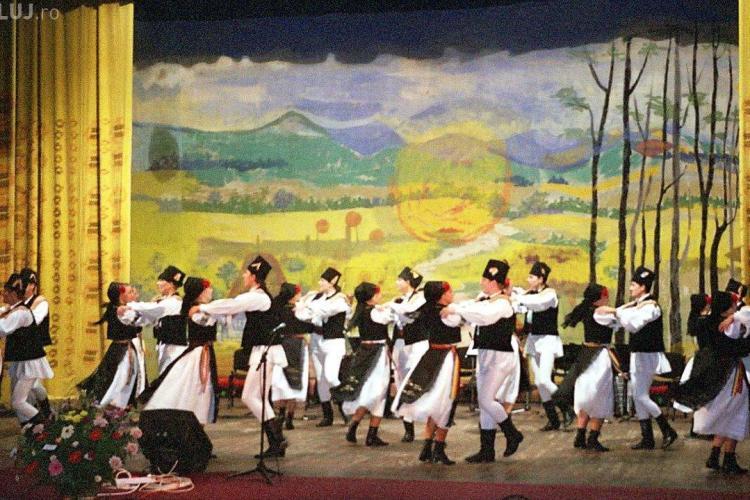 Spectacol caritabil de folclor la Cluj! Se adună bani pentru o familie rămasă fără casă