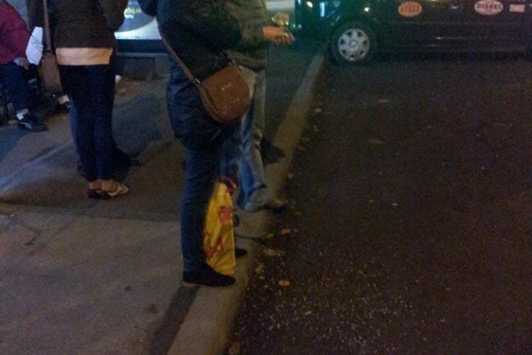 Au spart semințe în NEȘTIRE în stația de autobuz din Mănștur! Voi ce ați fi făcut? - FOTO