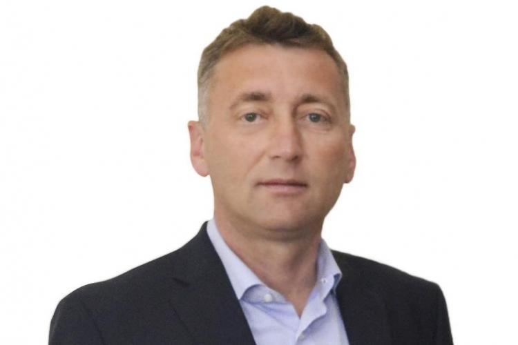 Primarul din Gherla, Sabo Marius, a pus pe masă la ședința partidului 3.000 de euro. E SCANDAL la Gherla - VIDEO