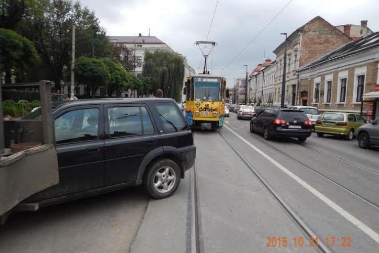 Șoferii au blocat DIN NOU tramvaiele pe Barițiu. Nu se învață minte FOTO