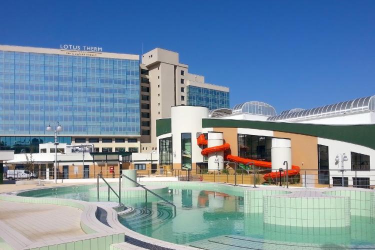 """Primul hotel de cinci stele cu aquapark din Felix, """"Lotus Therm SPA&Luxury Resort"""" și-a deschis porțile. Cum arată și care sunt prețurile (P)"""