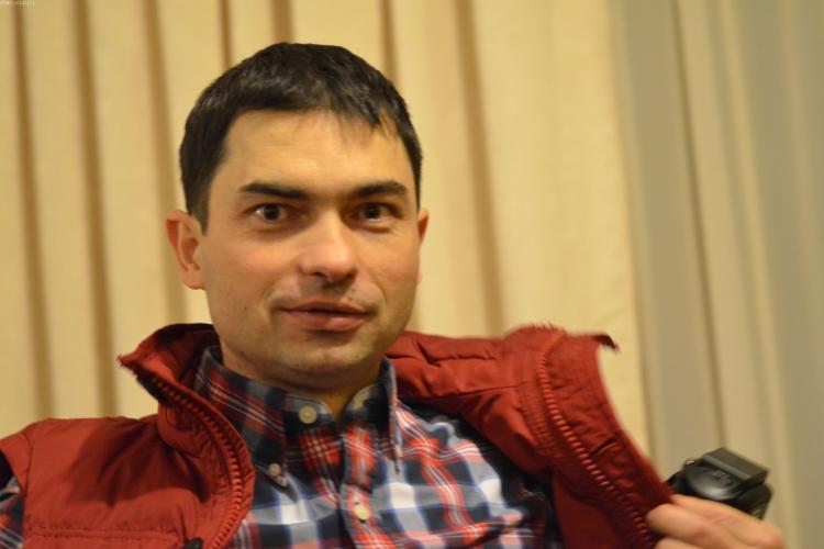 """Un profesor de la UBB Cluj a primit """"Oscarul Inventicii"""". Cine e lectorul Flaviu Turcu"""