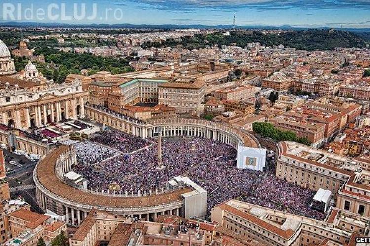 Un preot și o femeie au fost arestați la Vatican. Au dat publicității documente secrete