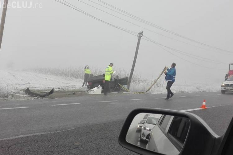 Trei accidente pe un drum din Cluj, în acelaşi loc. A venit IARNA – FOTO