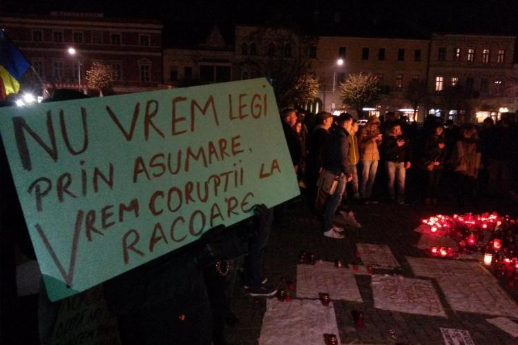 Clujenii se adună pentru a PATRA zi de proteste. A ieșit cu CEARTĂ
