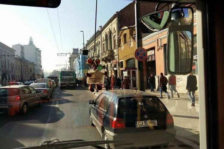 """""""De o ora blocheaza traficul pe Memo"""", în centrul Clujului. Când scăpăm de COCALARI? - FOTO"""