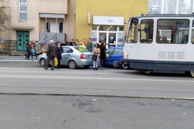 Un alt tramvai a fost blocat pe strada Barițiu - FOTO