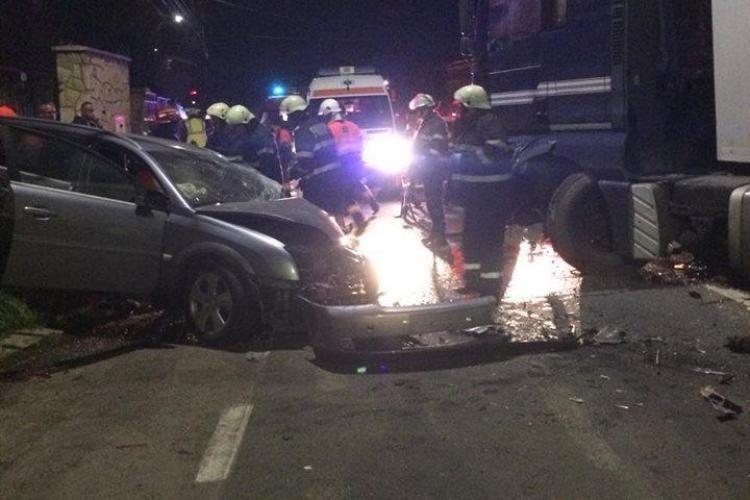 Accident la intrare în Cluj-Napoca! Un șofer a făcut prăpăd pe drum. Pagubele sunt uriașe - FOTO