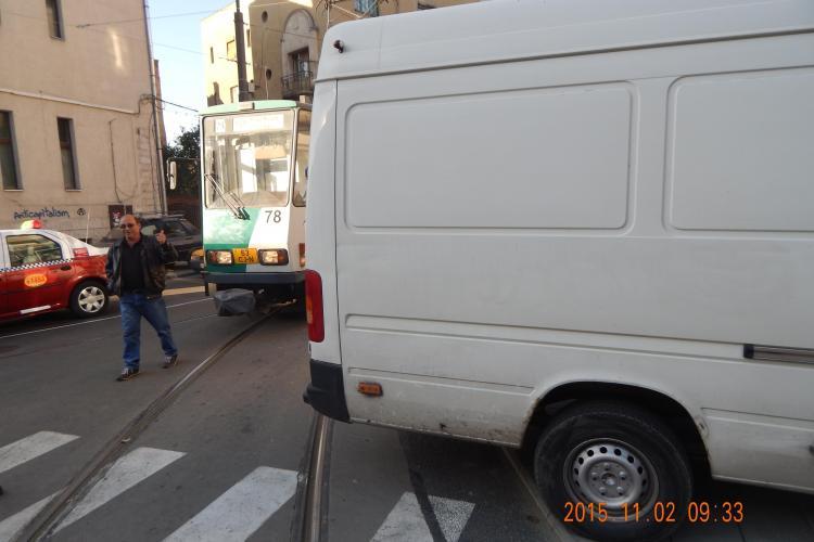 Tramvaiul, blocat la Cluj-Napoca de trei ori în două zile. În 2015, au fost 130 de blocaje