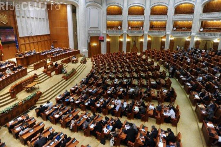"""Parlamentarii calmează furia """"străzii"""" cu salarii majorate. Bugetarii primesc 10%, de la 1 decembrie"""