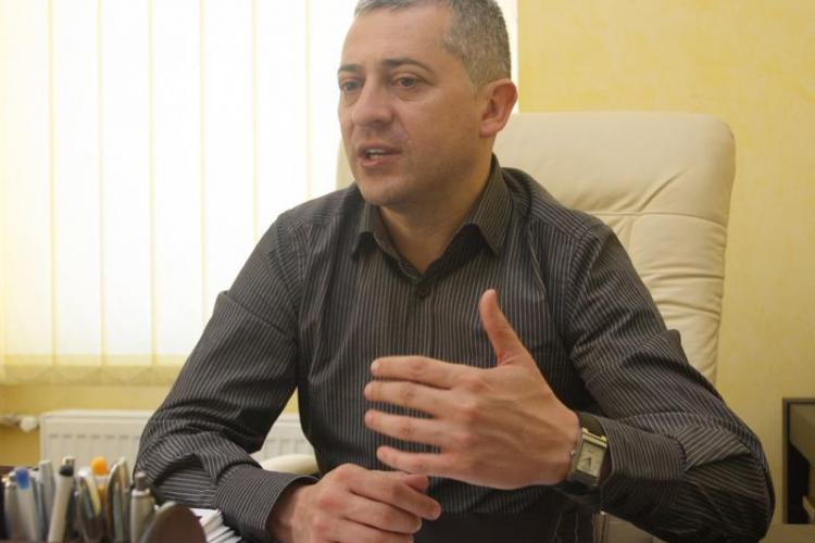 Daniel Don, șeful AJOFM Cluj, ar fi luat 800.000 de lei mită. Le cerea angajaților bani din salariile europene
