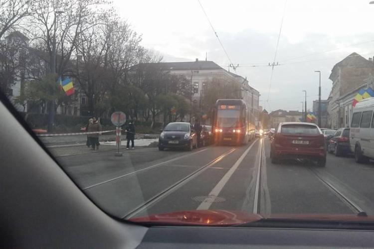 Așa se blochează tramvaiul pe strada Barițiu - FOTO
