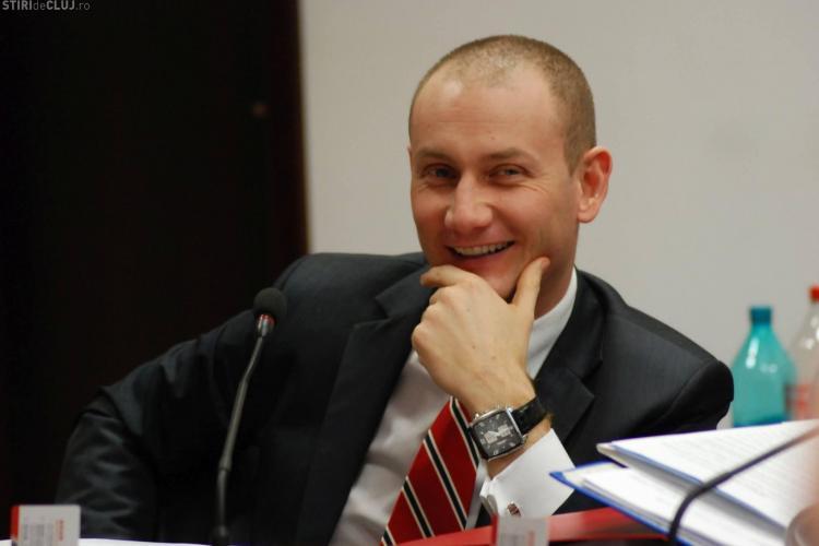 Mihai Seplecan ar putea fi schimbat luni din funcția de președinte al CJ Cluj. Motivele: diploma falsă și scandalurile repetate
