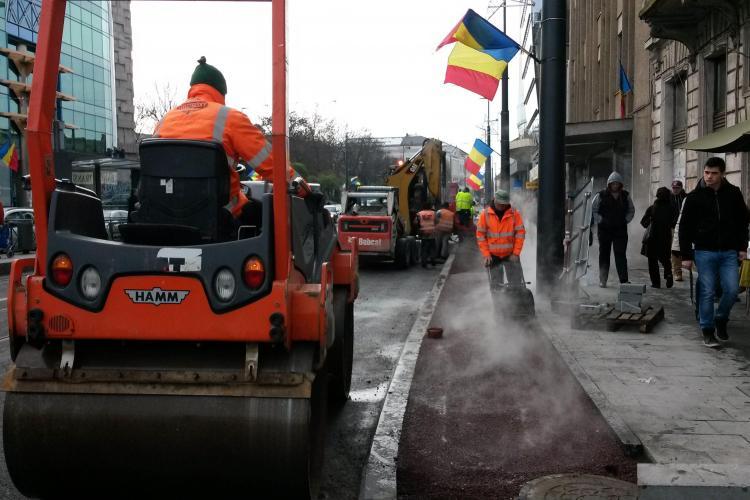 Se toarnă pistele clorate de bicicliști de pe strada Barițiu - FOTO