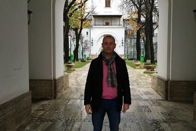 """Mihai Seplecan s-a pozat în curtea Palatului Cotroceni. Susține că l-a primit """"șefu"""" - FOTO"""