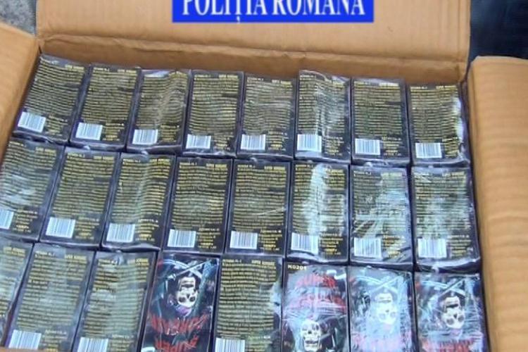 Polițiștii au confiscat 500.000 de articole pirotehnice, în valoare de aproximativ 42.000 de lei - VIDEO