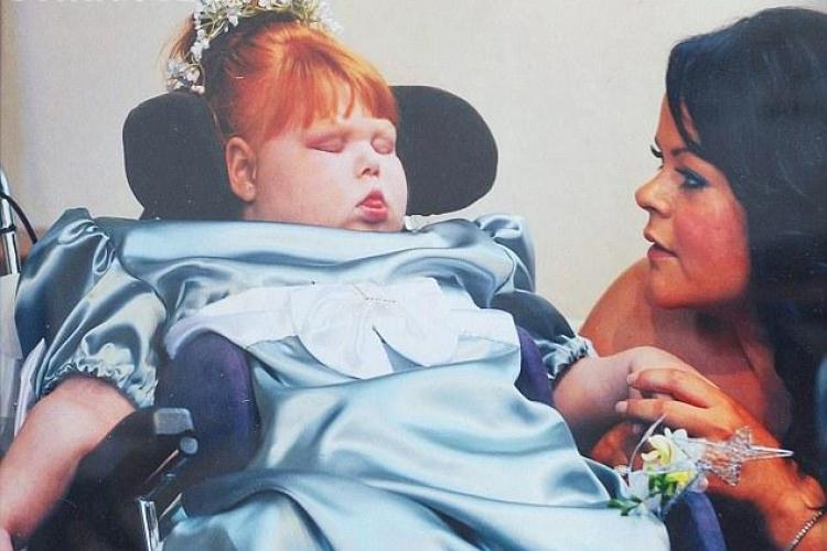 O mamă a decis să-ș ajute copilul să moară. Motivul e cutremurător