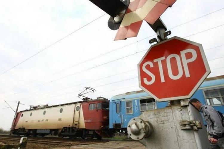Clujean lovit de tren la Jucu. Era beat, dar a scăpat cu viață