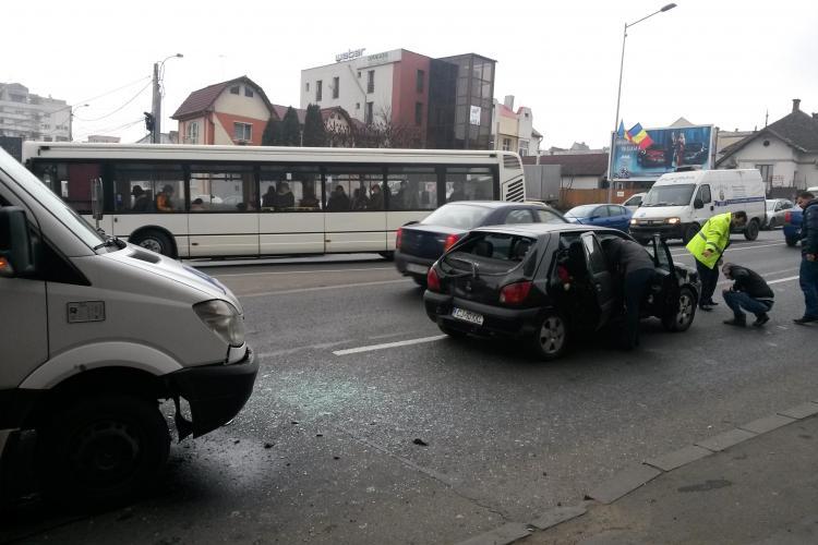 Accident în lanț pe Calea Turzii! Clujul e sub teroarea aglomerației - FOTO