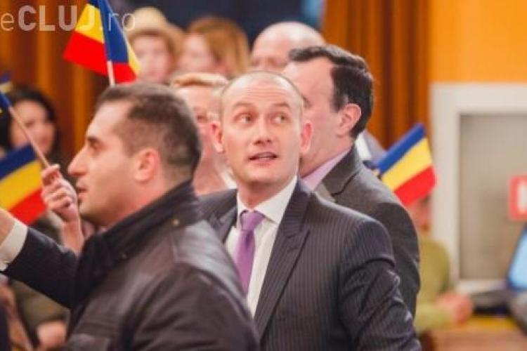 Cum a fost înșelat cu 1.500 de euro Mihai Seplecan, preşedintele Consiliului Judeţean Cluj.Și-a folosit diploma anchetată acum