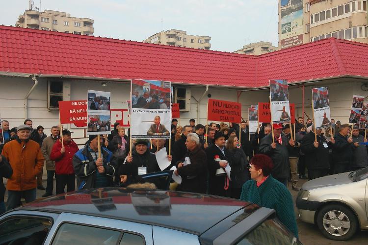Protestatarii de la Consiliul Județean Cluj au cerut demisia lui Mihai Seplecan - VIDEO