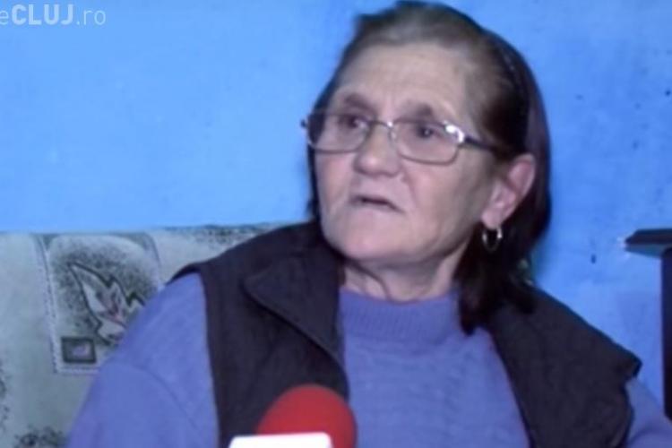 """Femeia din Mociu care crește patru copii în grajd: """"Primarul mi-a spus că ce vreau, să mă ia la el acasă!"""""""