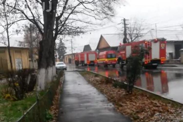 Panică la Turda! Pompierii au dat-o în bară cu o intervenție - VIDEO